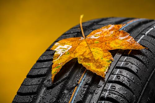 Genius Wissenscommunity von Daimler: Warum muss man im Herbst und Frühling Autoreifen wechseln?