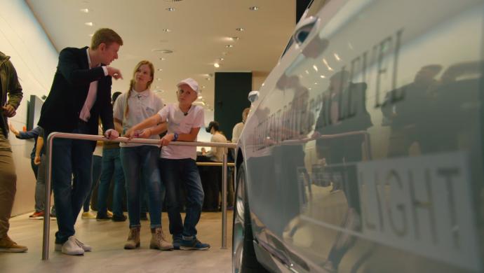 Genius Wissenscommunity, Kinderreporter, Daimler, IAA 2017, Internationale Automobilausstellung Frankfurt, Assistenzsysteme, Fahrerassistenzsysteme, automatischer Bremsassistent, Mercedes-Benz