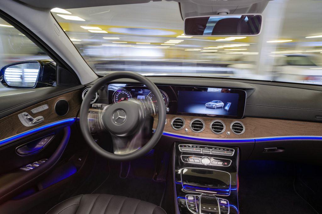 Genius Wissenscommunity von Daimler: automatisches Einparken, Automated Valet Parking, von Daimler und Bosch