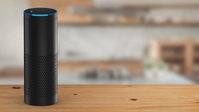 """Der smarte Lautsprecher """"Amazon Echo"""" mit der Sprachassistentin """"Alexa"""""""