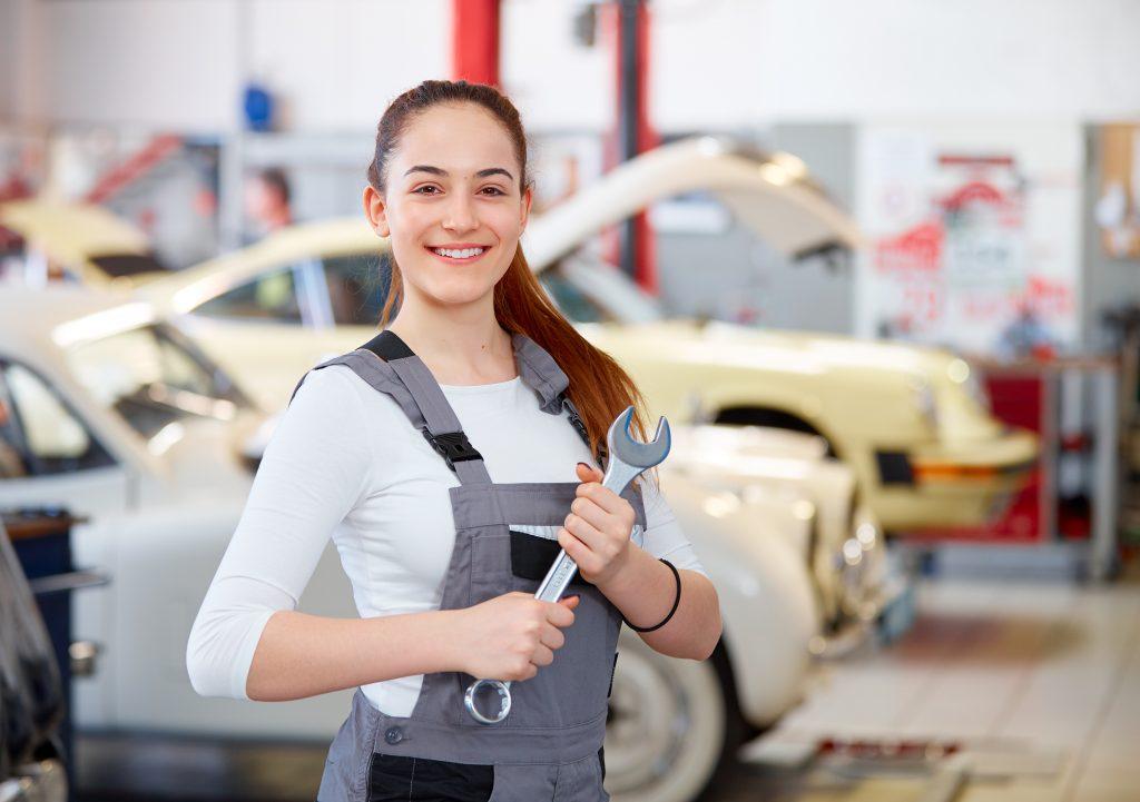 Genius, die junge WissensCommunity von Daimler: Alles, was du über Ferienjobs wissen musst